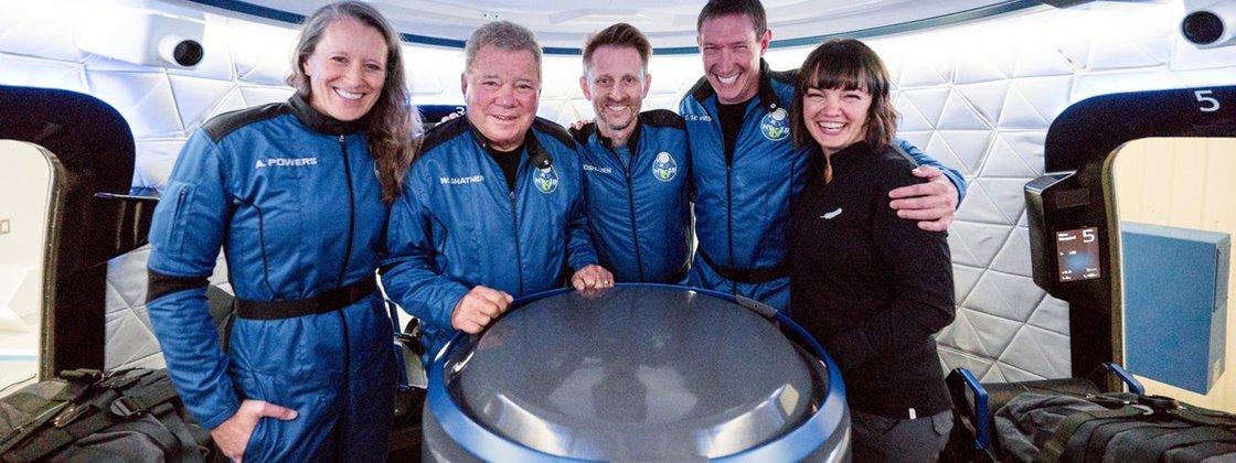 Imagem de: Veja como foi voo espacial de William Shatner com a Blue Origin
