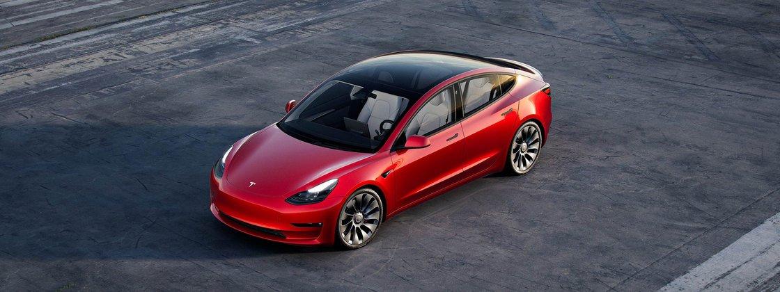 Imagem de: Uber vai alugar carros da Tesla para motoristas nos Estados Unidos